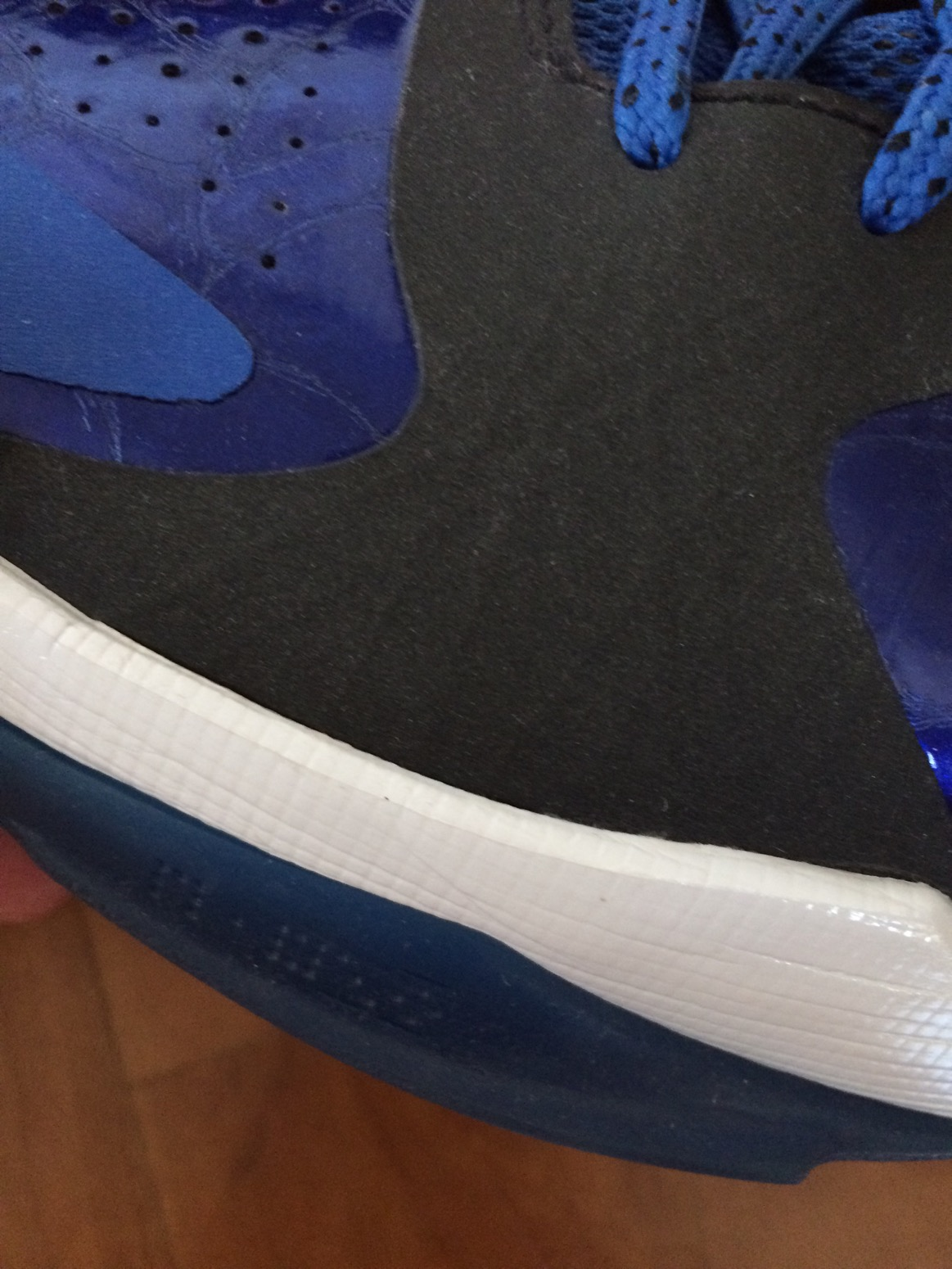 best sneakers 58c5b b0724 I never felt like Id turn my ankle in these and I never have. I wish the  midsole was firmer like the IV but its still great.