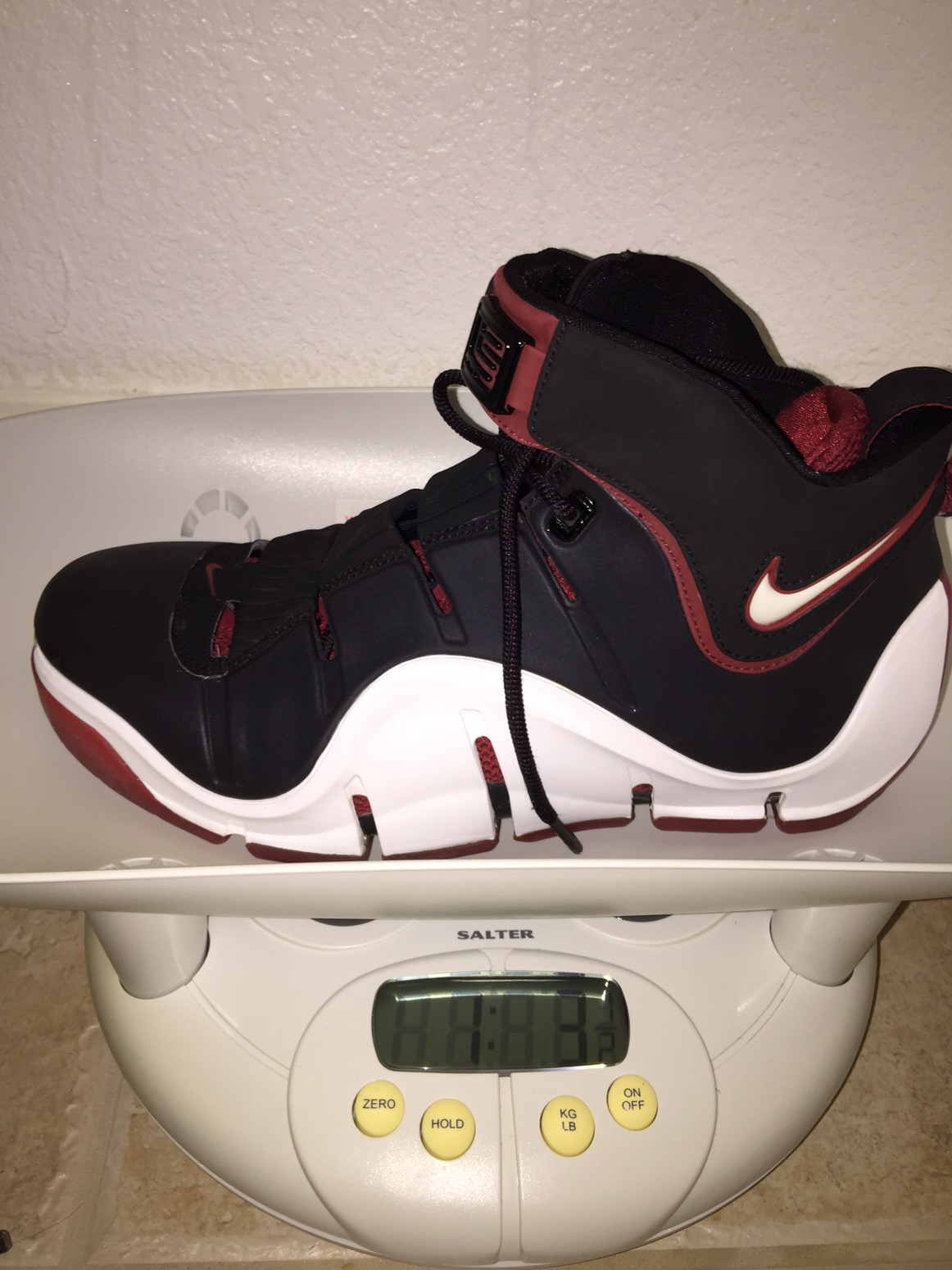 ca121d89fb6f The Archive  Nike Zoom Lebron IV 4 Performance Review