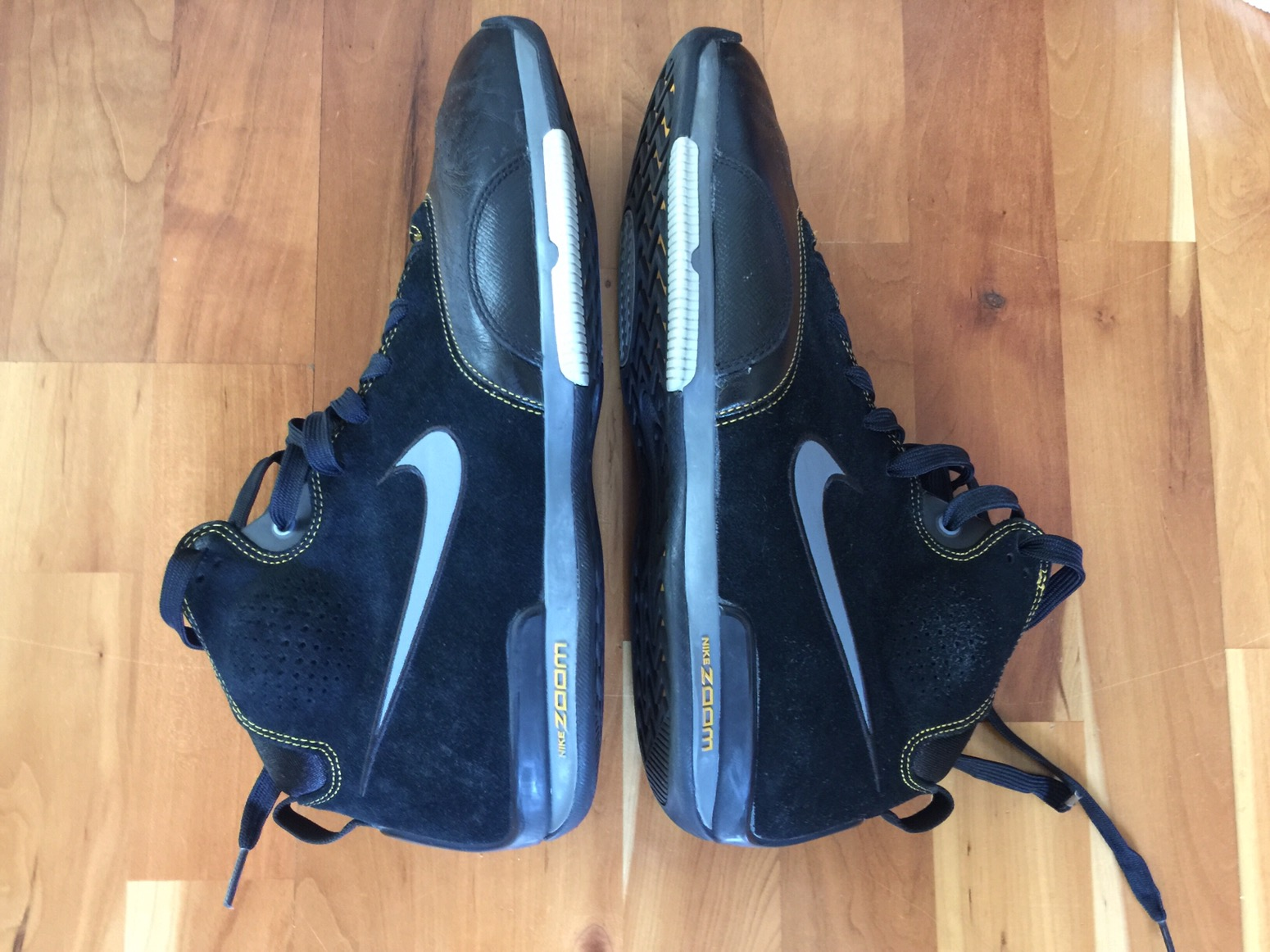 31ec69e124e8 The Zoom BB came out in 2007 when Steve Nash was near the peak of his  powers and the BB was getting some serious team shoe time. Why Nike only  made three of ...