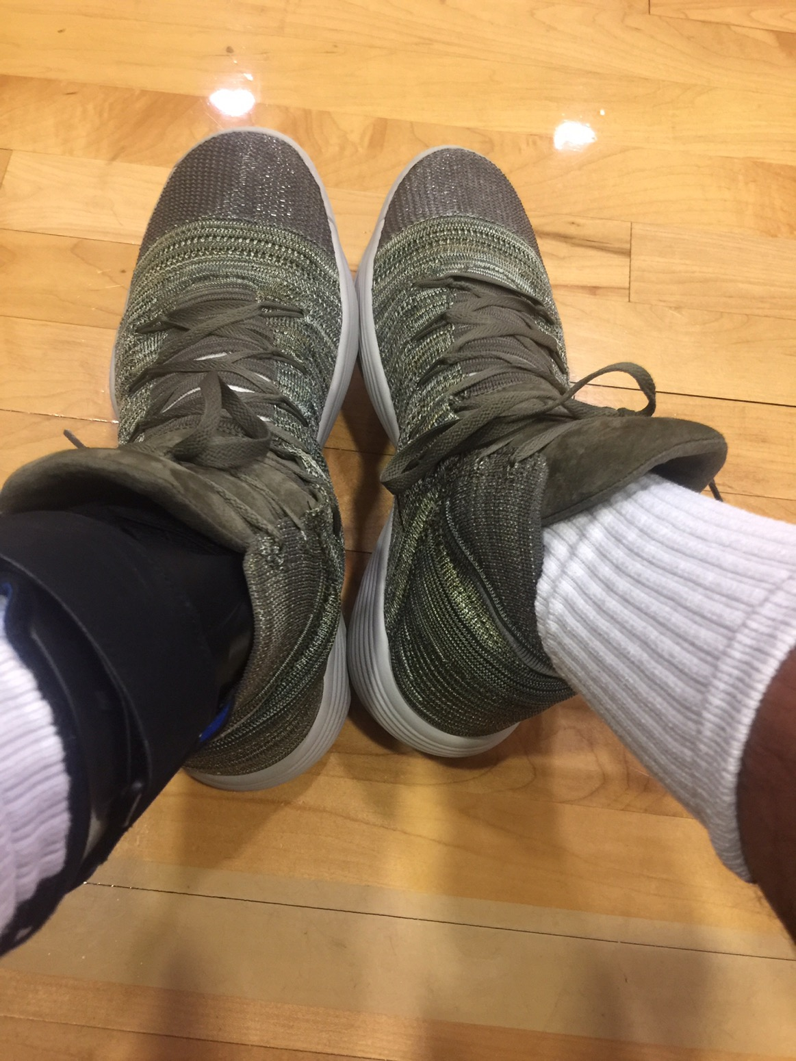 386bca56bf00 Although camo isn t my color I couldn t wait to get these on court. I got  these last night from UPS and hit the court for some quick