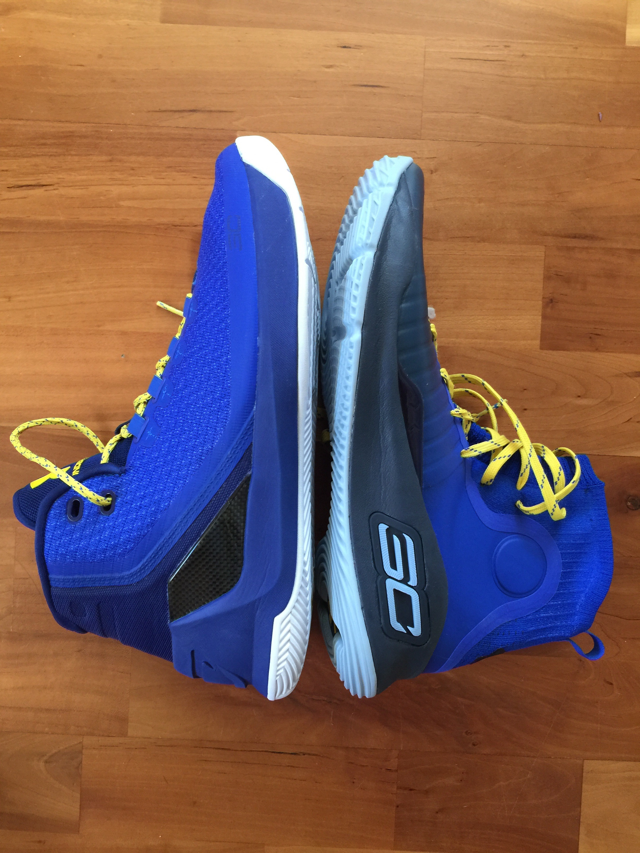 1664a5ec8e63 Look how much smaller the Curry 4 size 11.5 is vs a size 11 Curry 3