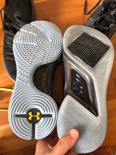 best service fe6d7 86270 There is a shank but I can roll it into a ball just like the Mamba  Instinct. As you can see below everything bends except the middle of the  midsole.